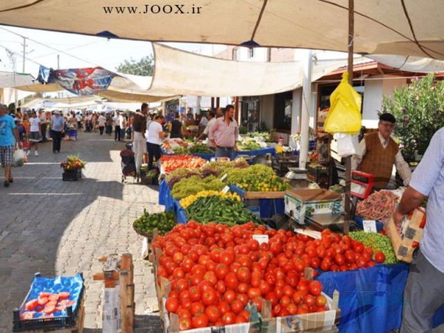 بازار هفتگی موجب از رونق انداختن کسب و کار در بازار اصلی شهر میشود