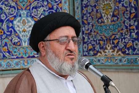 مقامات آمریکایی در اندازه ای نیستند که برای ملت ایران تعیین تکلیف کنند